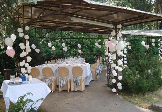 Украшения двора на свадьбу