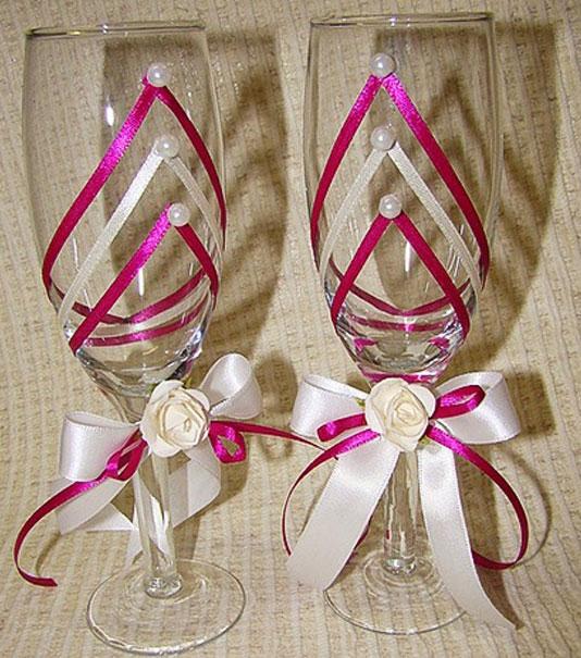 Как украсить бокалы на свадьбу лентами своими руками фото